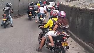 Video: Ciudadano denuncia a conductor que arrolló dos motos