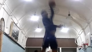 Dunking with my left hand!!!