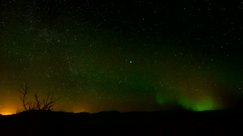Nothern lights in the night sky