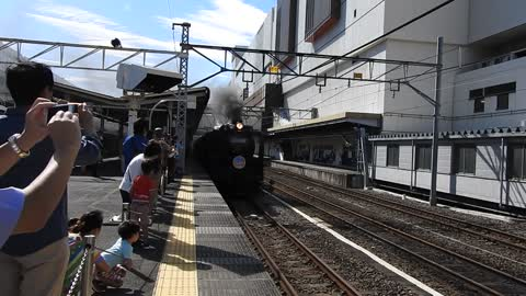 Steam Locomotive leaving Takasaki