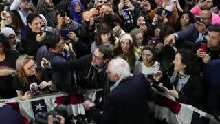 Bernie Sanders se retira de carrera demócrata