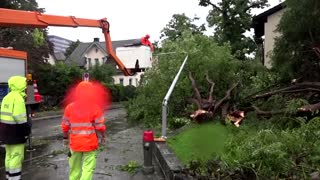Heavy rain floods Zurich streets, cause travel chaos