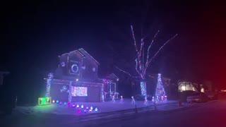 Awesome Musical Christmas Light Display