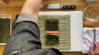 HOW TO REALLY ROLL A SUSHI!!