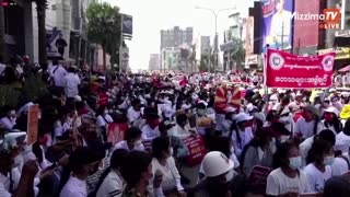 Myanmar protesters defy junta's warning in Mandalay