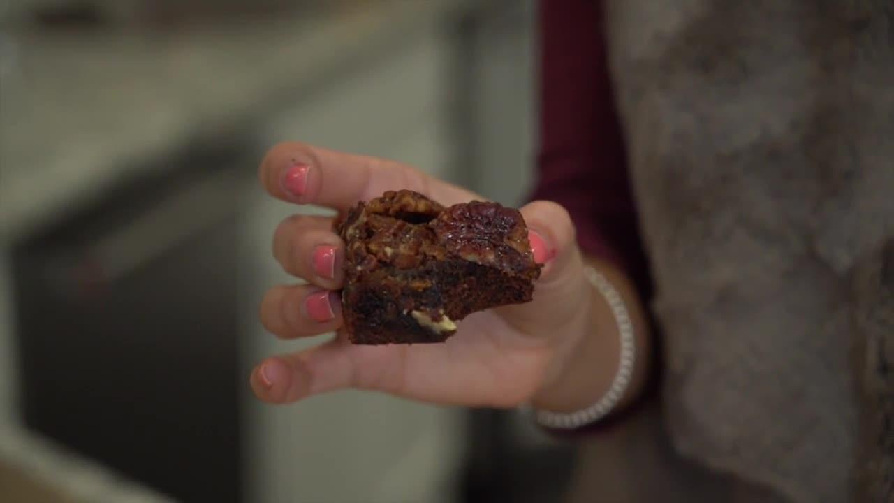 Simply Sweet: Pecan Pie Brownies