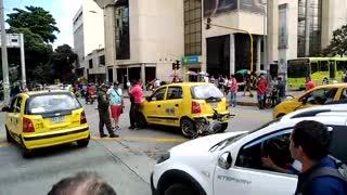 Hurto terminó en persecución y accidente en el centro de Bucaramanga
