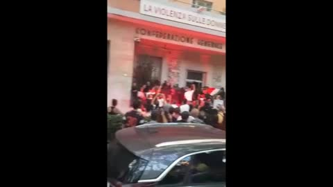 Roma, 9 ottobre 2021: lavoratori occupano sede CGIL