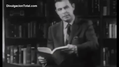 In 1943 the US Communist Party Used The Same Tactics (G. Edward Griffin) [Spanish Subtitles]