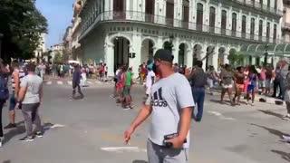 Protestas en el capitolio de un pueblo cubano