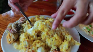 Blue Crab Meat Peeling Fried Rice Cooking - Cooking With Sros