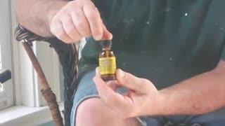 How to cure toenail fungus - Tom's life hacks