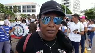 Video: estudiantes marchan en el centro de Cartagena