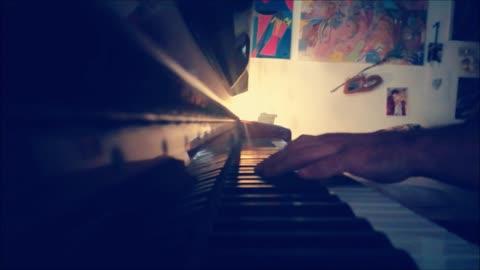 """""""HALLELUJAH"""" di Leonard Cohen - mini piano-cover"""