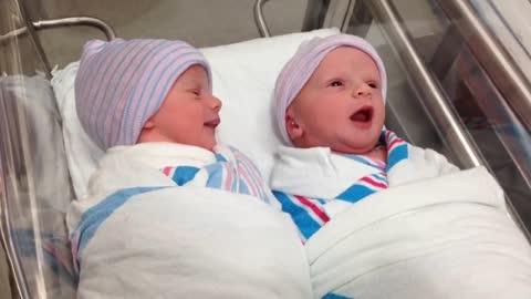 Newborn Twins Have Their First Conversation An Hour After Being Born