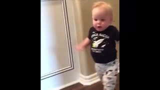 Funny baby moments !