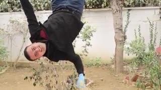 The Turkish chef Burak makes the konafa while hanging upside down