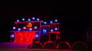 Halloween Light Show ( METALLICA : ENTER SANDMAN )