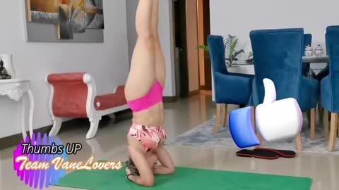 Padmasana Vinyasa Flow / Lotus legs