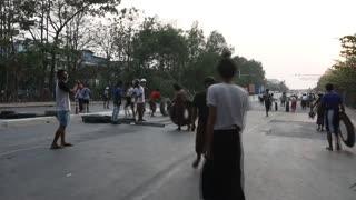"""En Birmania llaman a la """"revolución"""" contra los militares [Video]"""