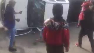 indígenas han volteado y quemado dos camionetas de la comunidad