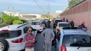 Avanza 'Plan tortuga' de taxistas en Bucaramanga y el área