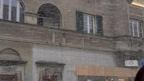 Its snowing in bern