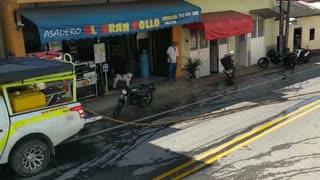 Un incendio se registró en el interior de un local comercial en Santander