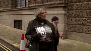 UK judge rejects U.S. Assange extradition request