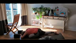40 minute Leg-Focused Vinyasa Yoga Session