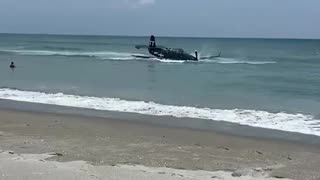 Plane Crash Lands Into Water