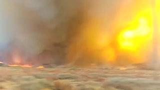 "Massive ""firenado"" filmed in Kings Canyon, California"