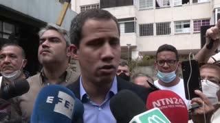 Guaidó sale al público tras amenaza de detención