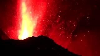 La Palma volcano spews lava and smoke