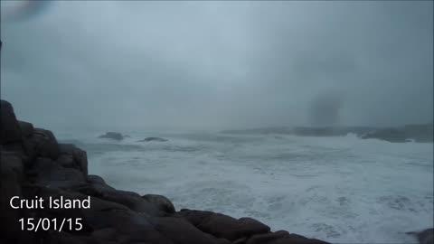 Gale force winds hit Irish coast