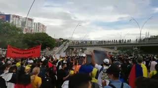 Protesta hacia Provenza desde San Pío
