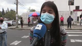 Cientos de ancianos y personas con discapacidad votan anticipadamente en Ecuador desde casa