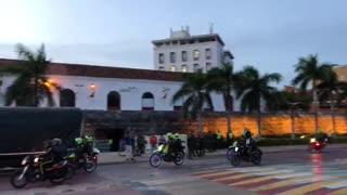 policias en el centro de Cartagena