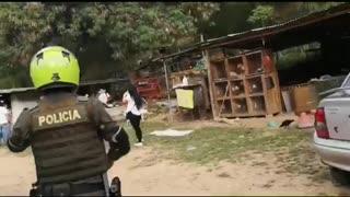 100 personas que violaban el toque de queda en una gallera, fueron multadas en Girón