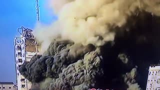 Israel Gaza war: 💥💥 The Al-Shorouk Tower building in central Gaza is attacked