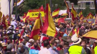 Thousands of people protest in Madrid against plans to pardon Catalan separatists