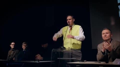 Bonne ambiance à la réunion nationaliste d'Yvan Benedetti (2016)