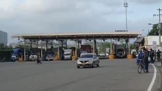Camioneros en Cartagena vuelven a protestar por cobro de peajes