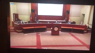 Must watch, pissed off father yells at school board for not opening school.