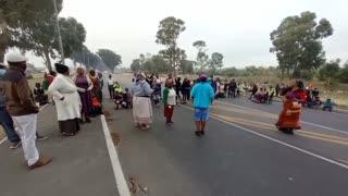 Pupils stop traffic
