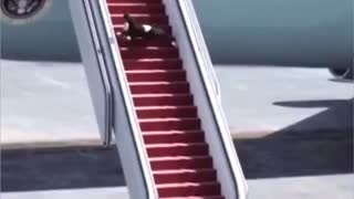 Parody: Biden coming out of Fake Force 1