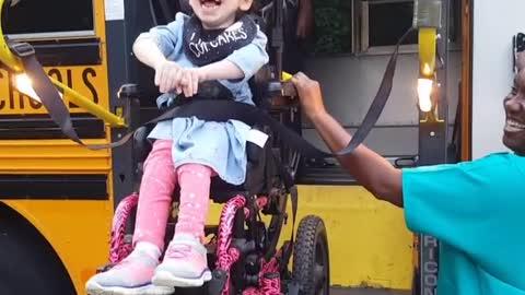 Little Girl Has Priceless Reaction To Going Back School