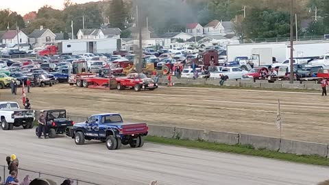 Truck and Tractor Pull 4×4 (Coshocton Ohio)