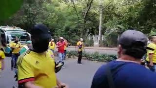 Desde varios puntos del área, los transportadores protestan