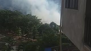 Video: Bomberos intentan controlar incendio en el norte de Bucaramanga
